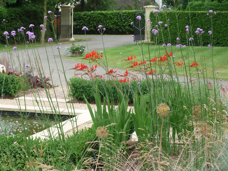 Planting around formal fountain - Hemingford Abbots