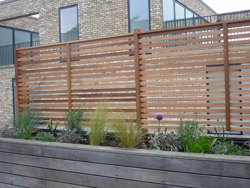 Be-spoke cedar screen and planting, roof garden, Cambridge